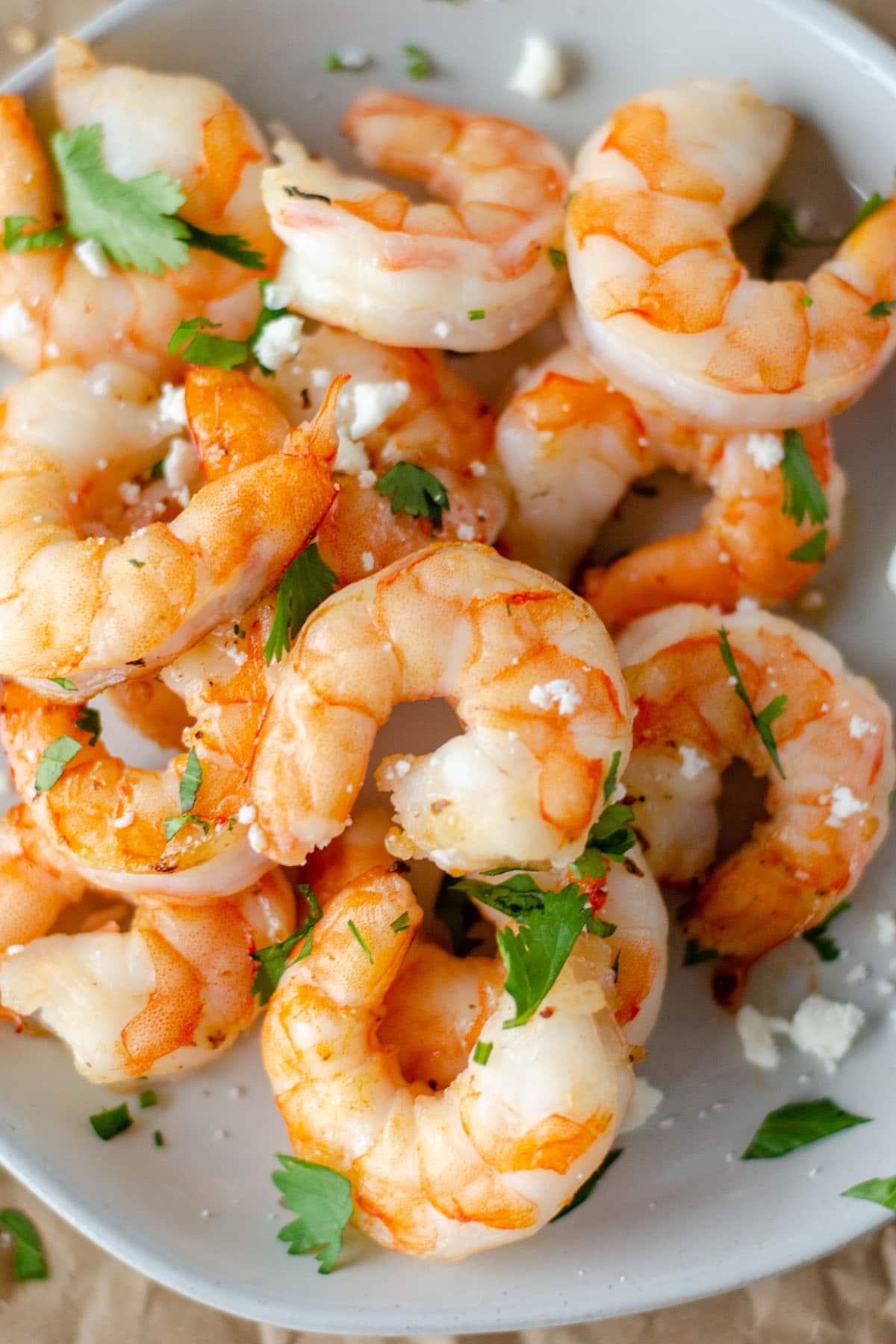 air fryer shrimp in a white bowl